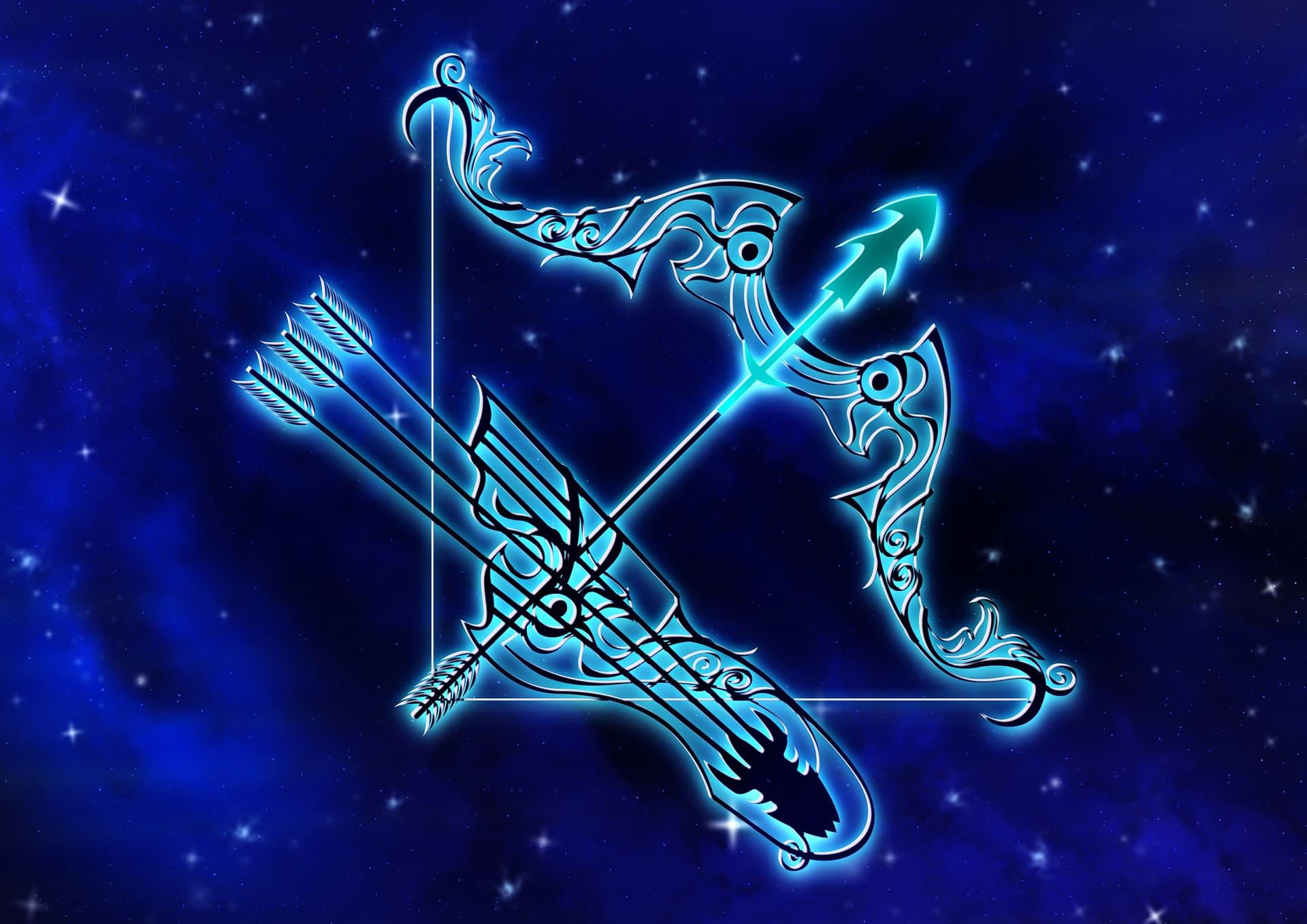 Камни для Стрельца по гороскопу - выбор для мужчин и женщин по дате и году рождения